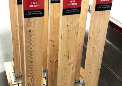 Poteaux bois pour forêt